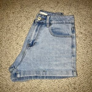 PacSun light wash mom shorts